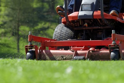 dll-commercial-mowing